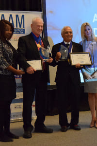 Out standing contribution Award for Dermatologist in Dubai Dr. Mahaveer Mehta
